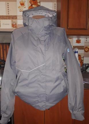 Брендовая куртка helly hansen! размер м.