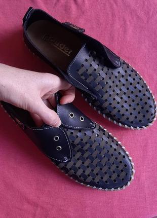 Новые туфли с перфорацией