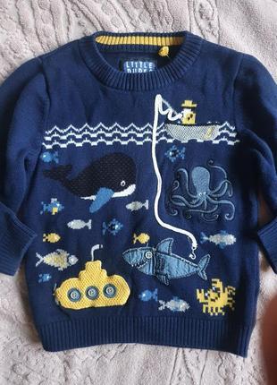 Классный фирменный тонкий свитерок