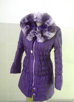 Теплая зимняя куртка-пальто с натуральным мехом (мутон) на воротнике