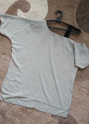 Блуза футболка на одне плече