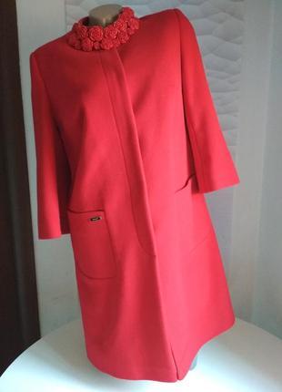 Красивое женское пальто красное6 фото