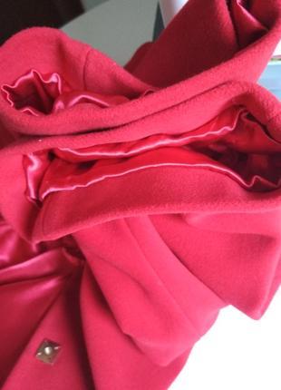 Красивое женское пальто красное9 фото