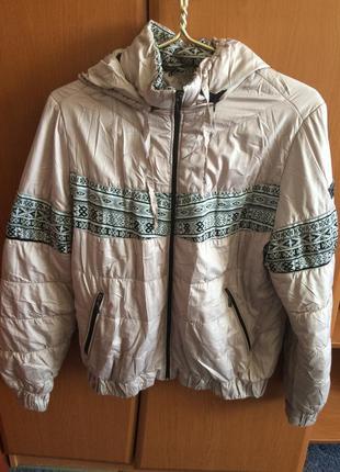 Курточка осення