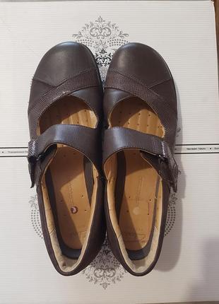 Туфлі шкіряні фірми clarks