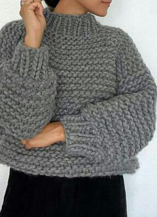 Объемный женскии свитер  oversize из толстой пряжи