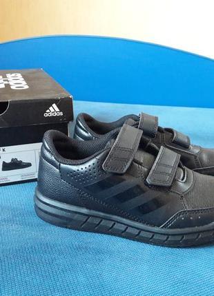 Осенние кроссовки adidas р.30