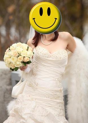 Продам своё шикарное свадебное платье , рр. 42-44