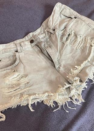 Круті джинсові короткі шорти