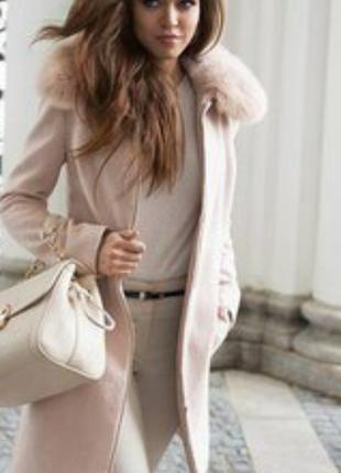 Стильное бежевое шерстяное пальто love republic