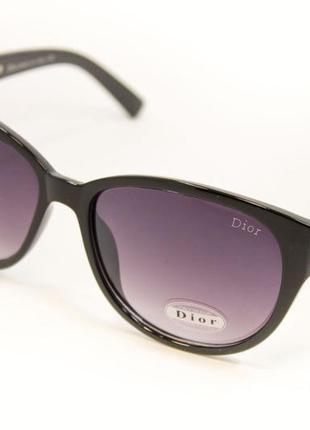 Стильные и модные солнцезащитные очки