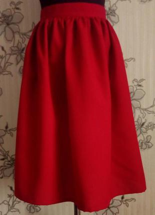 Новая красная юбка миди в сборку , размер s m l.