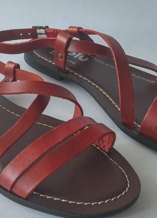Новые кожаные босоножки/сандалии
