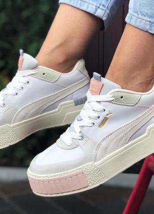 Нежные женские кроссовки puma