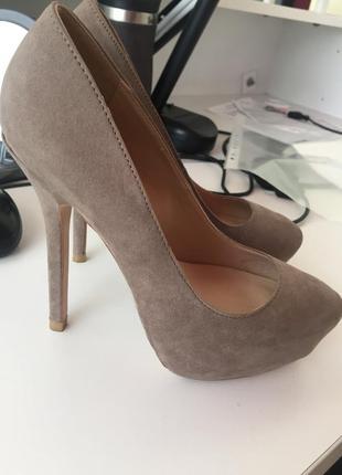 Туфли на высоком каблуке zara 36 р