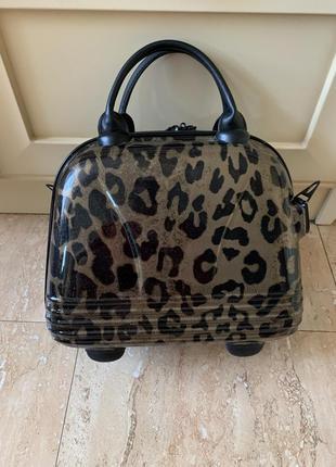 Кейс/ саквояж/ дорожная сумка леопардового цвета
