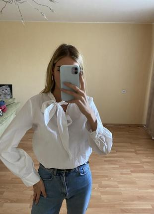 Стильная блуза с завязкой