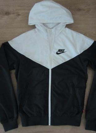 Спортивная куртка ветровка nike windrunner,оригинал,р.s
