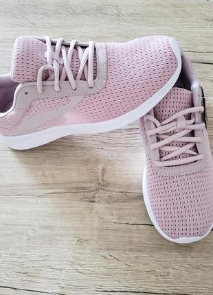 Athletic works кроссовки со стелькой запоминающей анатомию стопы кроси кросси оригінал сша