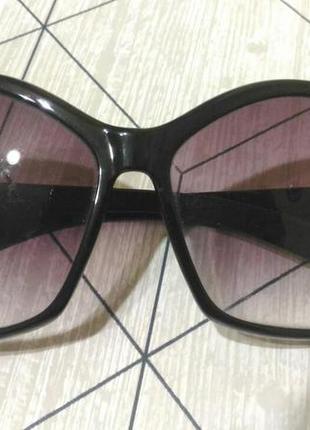 Солнцезащитные очки-бабочка