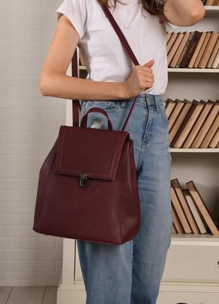 Сумка-рюкзак бордовый женский из искусственной кожи бордового цвета
