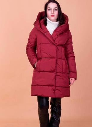 Женская зимняя куртка с капюшоном по скидке! пальто