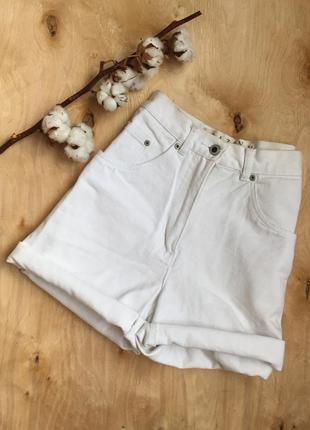 Стильные олдскул шорты с высокой талией