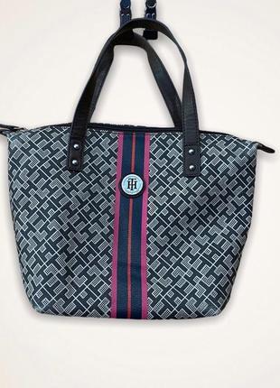 Оригинальная сумочка от tommy hilfiger , мультик лого, кожа, купить в украине