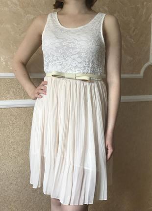 Нежное платье  с плиссированной юбкой + подарок!