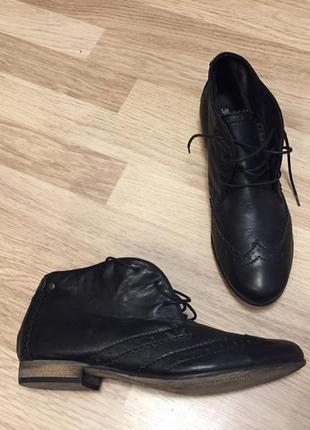Ботинки новые кожаные bullboxer 41 размер