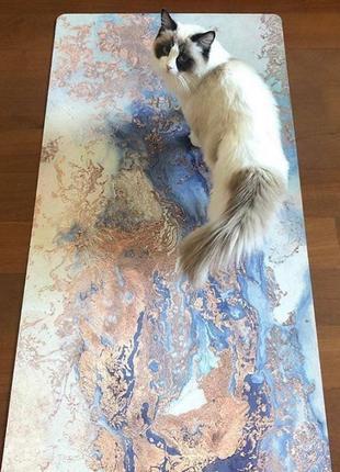 Дизайнерский коврик для йоги и пилатеса из каучука и эко-замши sugarmat