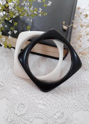 Пара браслетов черно-белый комплект пластиковые винтажные