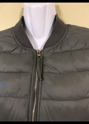 Женская куртка бомбер bershka
