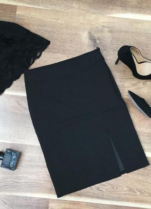 Новая фирменная классическая черная короткая юбка в обтяжку приталенная с разрезом, xs