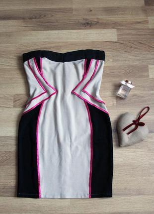 Шикарное платье бюстье с яркими розовыми вставками на молнии