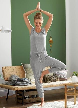 Стильный , удобный комбинезон для йоги и спорта от tchibo(германия)