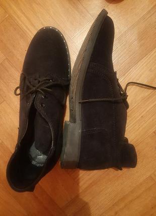 Черные низкие ботинки дезерты