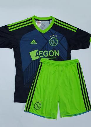 Adidas оригинал спортивный костюм футболка шорты форма размер  l на 13-14 л 160-164см
