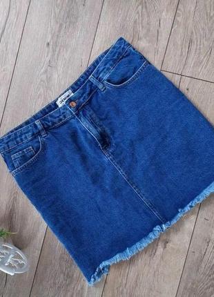 Джинсова юбка знеобробленим краєм