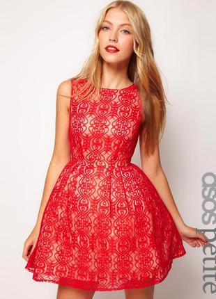 Asos petite exclusive lace dress with cut out back кружевное платье с фатином