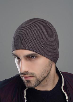 Чоловіча шапка джон