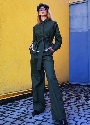 Дизайнерский женский костюм
