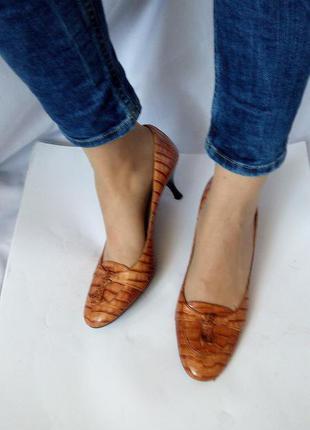 Кожаные туфли zara, испания