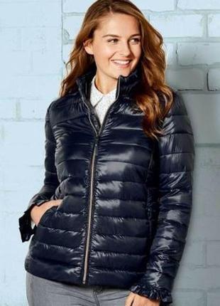 Стильная курточка батал  от 48 до 56 евро  в  синем/черном цвете esmara