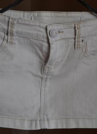 Белоснежная юбка мини stradivarius