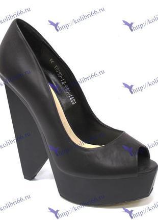 Шикарные  туфли sasha fabiani натурольная кожа