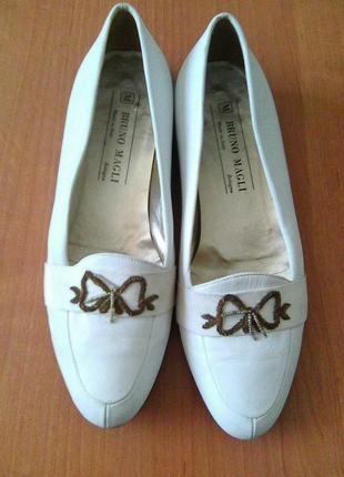 Шикарные кожаные туфельки бренда bruno magli ,италия 38р