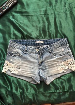 Шорты джинсовые с кружевом stradivarius размер s