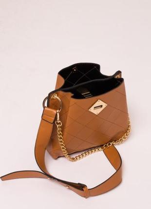 Женская сумка с плечевым ремнём