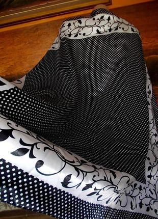 Платок 95х95см черно-белый принт